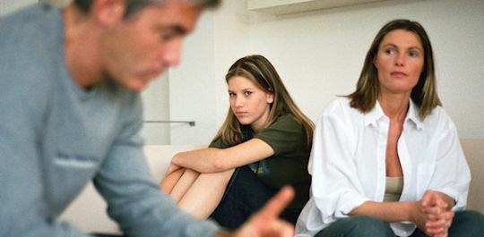 discusion hijo adolescente